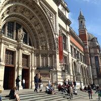 Das Foto wurde bei Victoria and Albert Museum (V&A) von Christian F. am 5/5/2013 aufgenommen