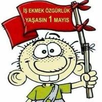 Photo taken at 1 Mayısı Kutluyoruz Gündoğduda by Umut Özlem H. on 5/1/2016
