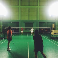 Photo taken at Tobacco Badminton Court by aomtu on 3/10/2016