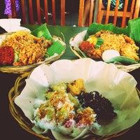 Photo taken at Café Batu Jimbar by @ArRaHadi on 5/12/2013