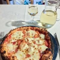 Foto scattata a Pizzeria al Duomo da Anastasia C. il 12/26/2017