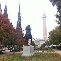 Foto diambil di Mount Vernon Place oleh Eric C. pada 10/28/2012