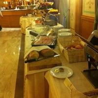 Foto scattata a Grand Hotel Guinigi da Jack Grifo il 1/12/2013