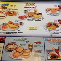 Photo taken at Waffle House by Kuyang Kal-El on 12/3/2013
