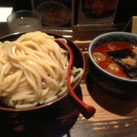 Photo taken at 三田製麺所 恵比寿南店 by Teruou N. on 4/25/2013