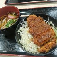 Photo taken at 名阪関ドライブイン by mjrec on 9/2/2017