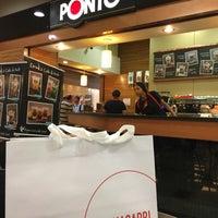 Foto tirada no(a) Café do Ponto por Cida F. em 11/8/2016