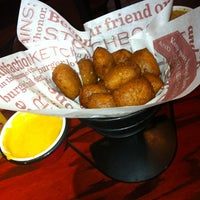 Photo taken at Red Robin Gourmet Burgers by Jon J. on 10/4/2012