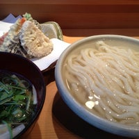 Photo taken at 手打釜揚うどん 鎌倉みよし by petsounds on 12/6/2012