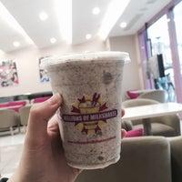 Photo taken at millions of milkshakes by Ofayfayy on 5/29/2016