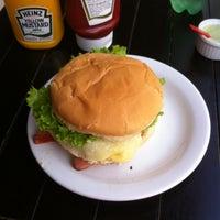 Photo taken at Pedro's Burgers e Tapiocas by Diogo F. on 4/22/2016