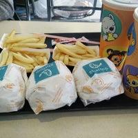 Photo taken at Burger Café America by Fareeza Nabiela F. on 4/14/2016