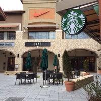 Photo taken at Starbucks by Joohee C. on 1/25/2014