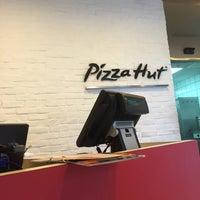 Photo taken at Pizza Hut by Maizatul N. on 10/7/2016