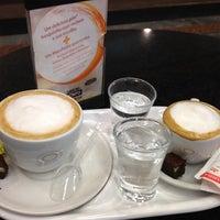 Photo taken at Café do Ponto by Luciana A. on 12/21/2012