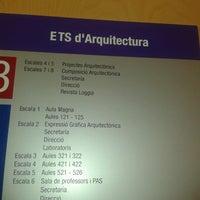 Das Foto wurde bei Escola Tècnica Superior d'Arquitectura von Ziba A. am 9/17/2012 aufgenommen