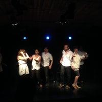 Photo taken at Teatro Club de Impro Lospleimovil by Claudio E. on 1/26/2014