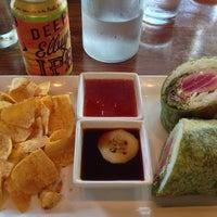 Das Foto wurde bei Dive Coastal Cuisine von Bryan F. am 5/30/2014 aufgenommen