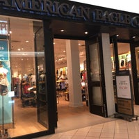 Photo taken at American Eagle Outfitters by Roly R. on 5/11/2017