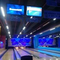 Photo taken at Funky Park & Bowling by Emre Ş. on 10/20/2017