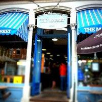 Foto scattata a The Market Cafe da Jeos O. il 5/19/2012