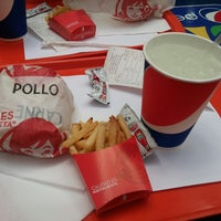 Photo taken at Wendy's by Hilda B. on 7/6/2014
