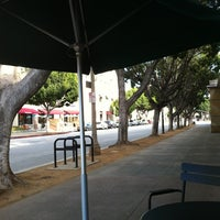 Foto tomada en Starbucks por Bill W. el 1/7/2013