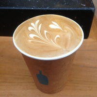 Photo taken at Blue Bottle Coffee by Keita I. on 4/26/2013