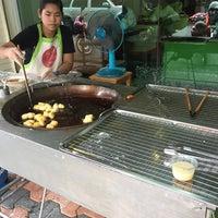รูปภาพถ่ายที่ ปาท่องโก๋พลัส โดย chamoiifang w. เมื่อ 1/3/2017