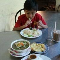 Photo taken at Sri Niara Tomyam by oly69 on 12/30/2012