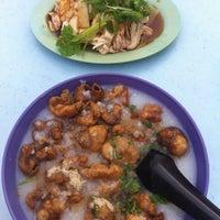 Снимок сделан в Lou Yau Kee Porridge (老友记粥) пользователем Eric C. 10/22/2012
