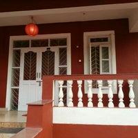 Photo taken at VilaNova Guesthouse by Gopi K. on 4/9/2016