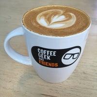 Foto tomada en Coffee Geek and Friends por Angie el 6/29/2016