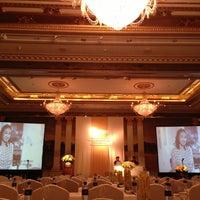 Photo taken at Mandarin Oriental, Bangkok by Zara P. on 5/4/2013