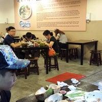 Photo taken at 河內越南牛肉粉 by Sapasapa C. on 10/5/2014