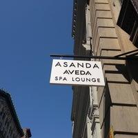 Photo taken at Asanda Aveda Spa Lounge by Roy Adam L. on 4/27/2013