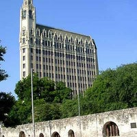 Photo taken at The Emily Morgan San Antonio - a DoubleTree by Hilton Hotel by Matthew L. on 11/21/2012