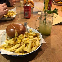 Снимок сделан в Honest Burgers пользователем Felipe T. 3/17/2018