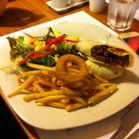 Photo taken at 2Z Kafe Restoran by Barbaros Ç. on 1/29/2014