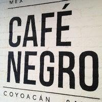 Foto tomada en Café Negro por Alejandra T. el 7/3/2013