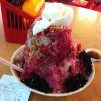 Photo taken at Restoran Lot Ten (樂天美食中心) by Dicklin C. on 10/7/2014