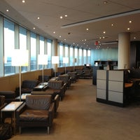 Photo taken at Maple Leaf Lounge (Domestic) by Peter K. on 11/24/2012