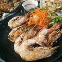 Photo taken at Mae Klong Seafood by dukunik .. on 7/9/2016