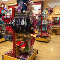 Photo taken at Build-A-Bear Workshop by Peter W. on 5/7/2017