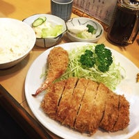 Photo taken at Tonkatsu Enraku by Ko K. on 10/8/2014