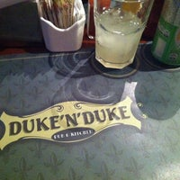 Foto tirada no(a) Duke'n'Duke por Danielle F. em 4/17/2014