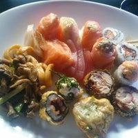 Foto tirada no(a) Hatti Sushi por Rodrigo Thadeu B. em 5/19/2014