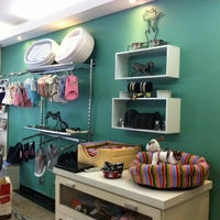 Photo taken at Simply Pet by Fabiana G. on 1/2/2014