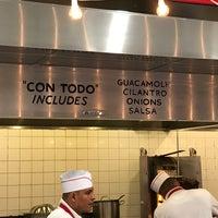 8/27/2017에 David님이 Los Tacos No. 1에서 찍은 사진