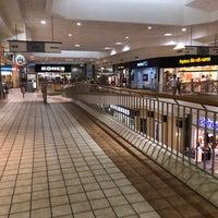 Foto diambil di Rogue Valley Mall oleh Adam G. pada 10/1/2017